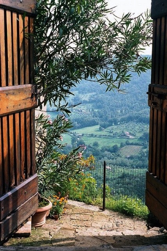 Buying Property in Italy - Doorways to Italy